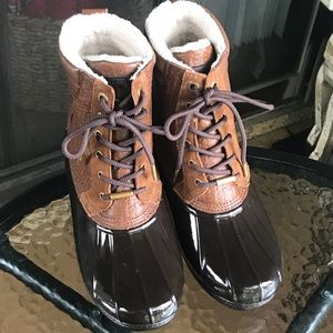 Michael Kors brown Easton duck boots size 9